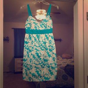 MAKE AN OFFER! THRIFTING! Guess Floral Dress